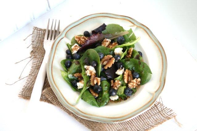 Салат из черники