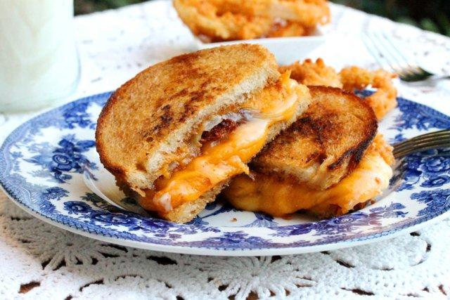 Поджаренные бутерброды с сыром