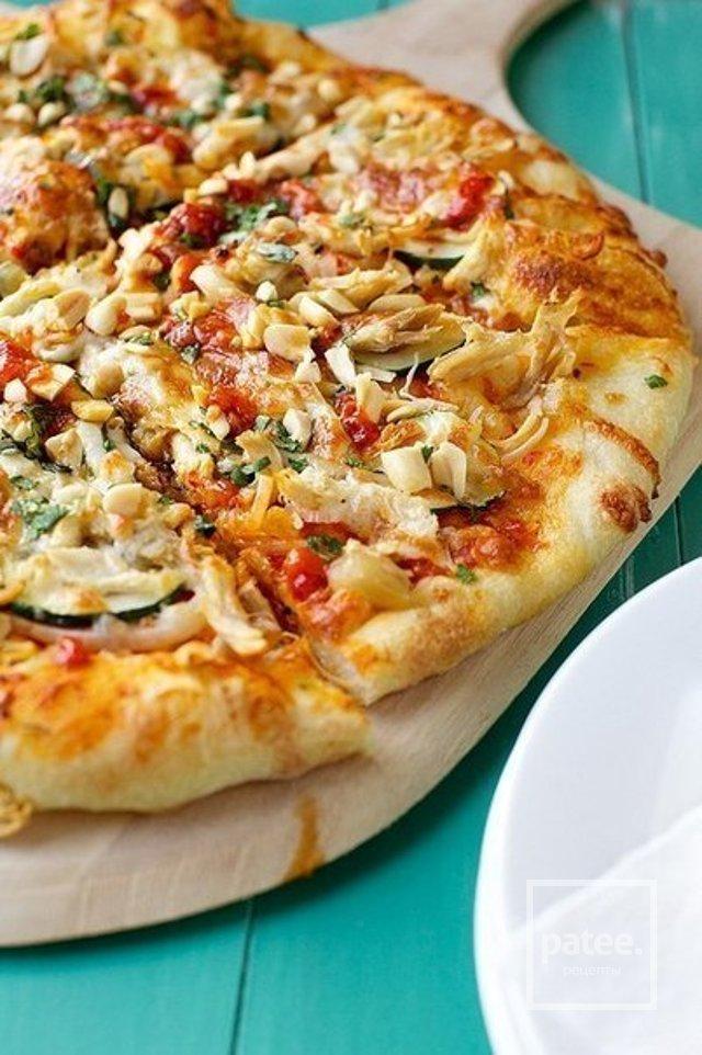 Пицца  по-тайски с курицей