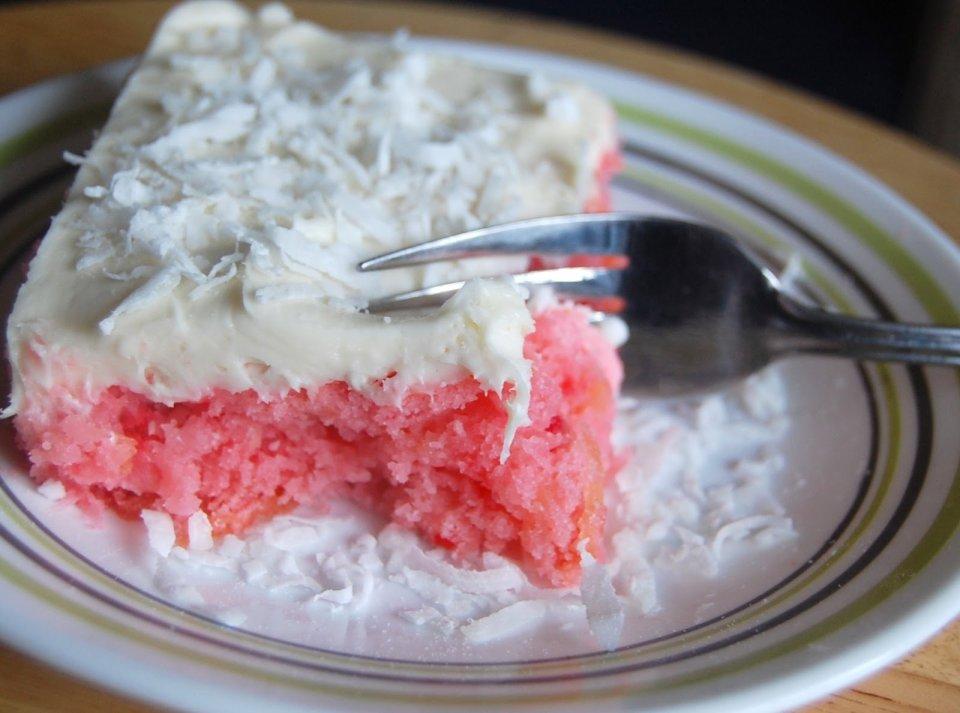 Клубнично-ананасовый пирог с нежным  кремом