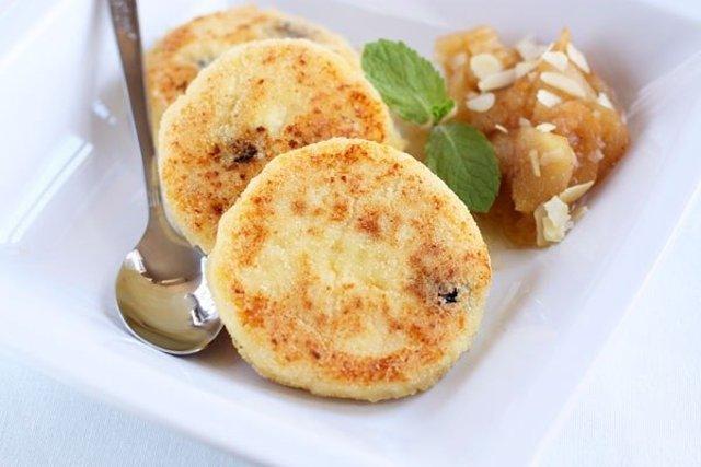 кулинария рецепты сырники с манкой