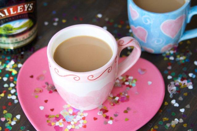 Кофе со сгущенным молоком и сливочным ликером