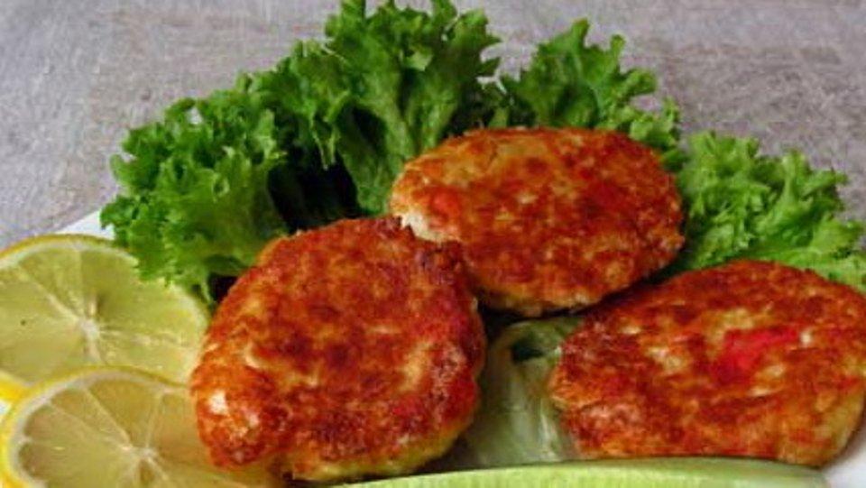 Биточки из крабовых палочек – кулинарный рецепт