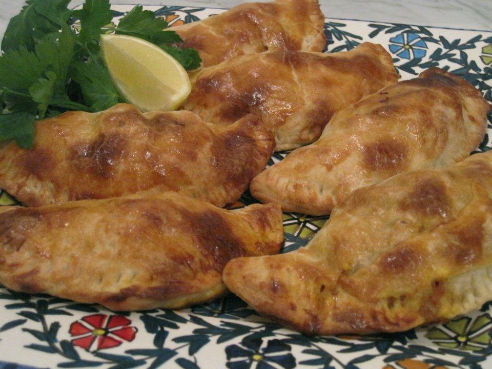 Пирожки с индейкой и сыром