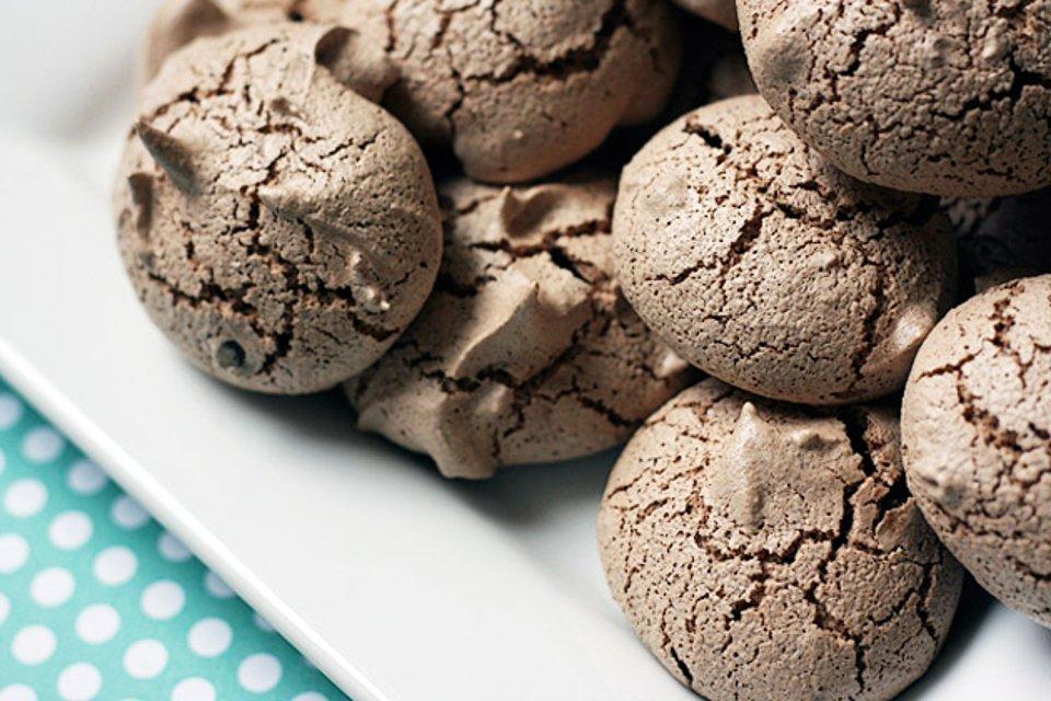 Шоколадное печенье-безе