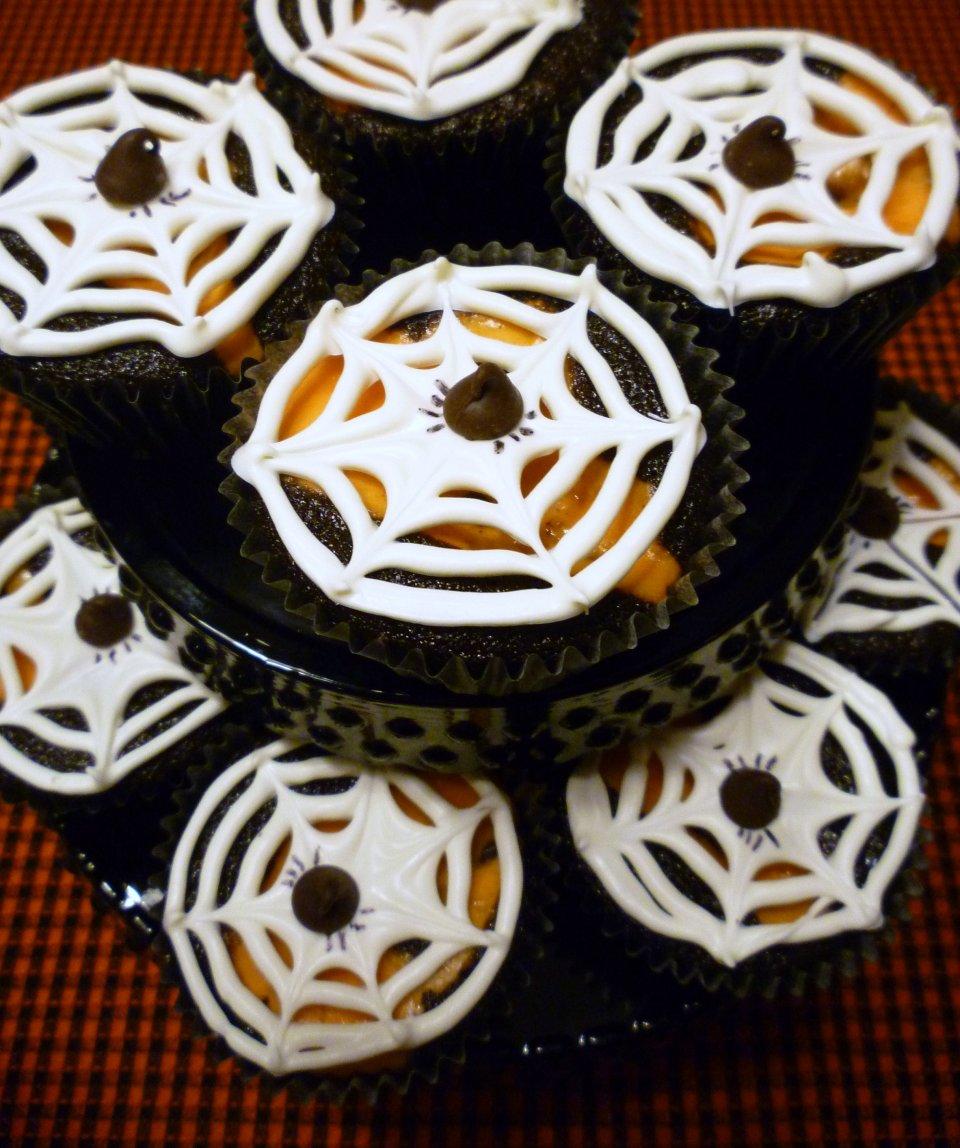 Шоколадные кексы с начинкой на Хэллоуин