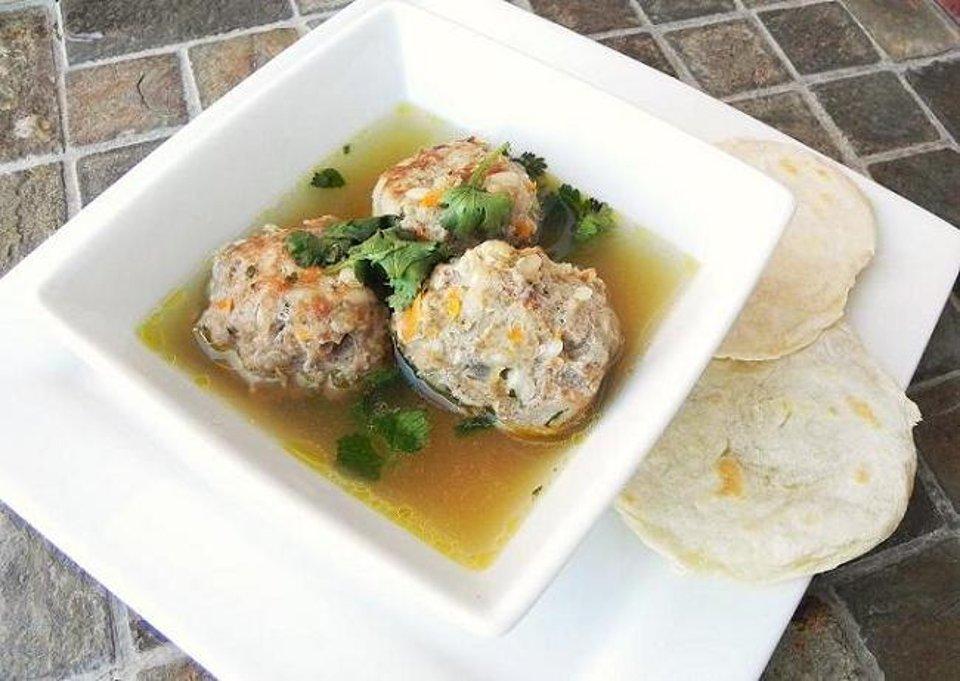 Суп с тефтелями альбондигас