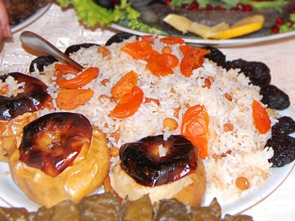 Рисовый плов с сухофруктами