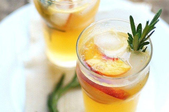 Персиковый коктейль Делюкс