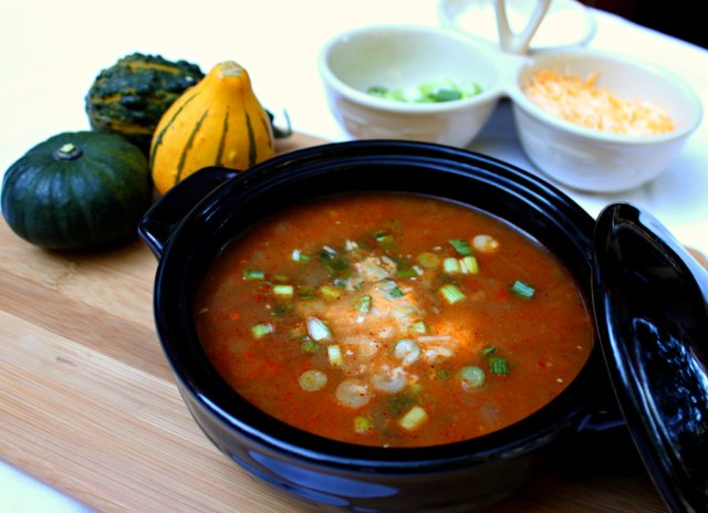 Суп с курицей и перцем чили