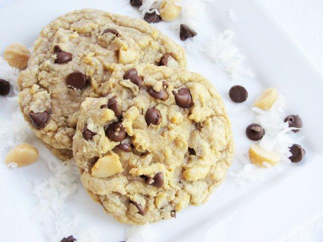 Печенье с макадамией и шоколадом
