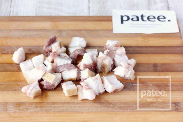 Свинина, тушенная с овощами в сметане