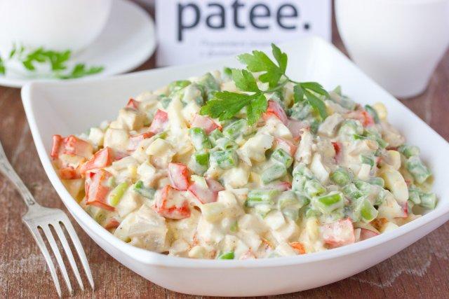 рецепт салат куринным мясом
