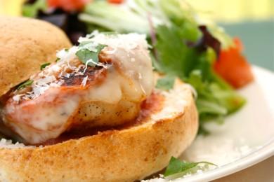 Рецепт Бутерброды с курицей и сыром