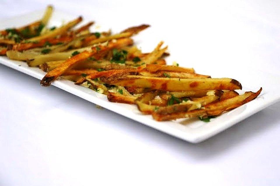 Картофель фри с чесноком