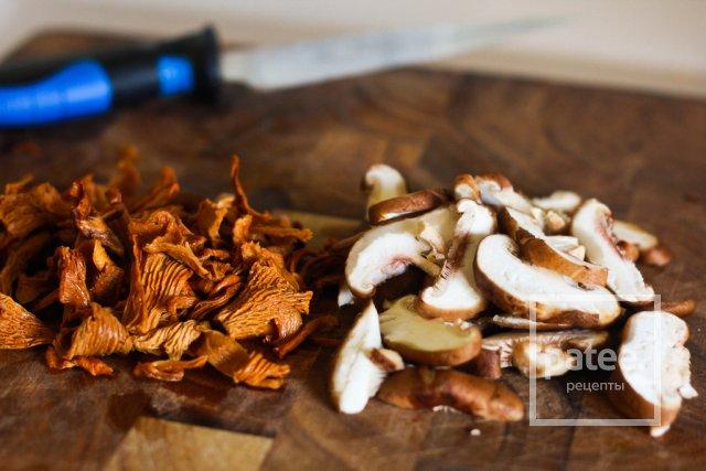 Блинчики с грибами и шпинатром
