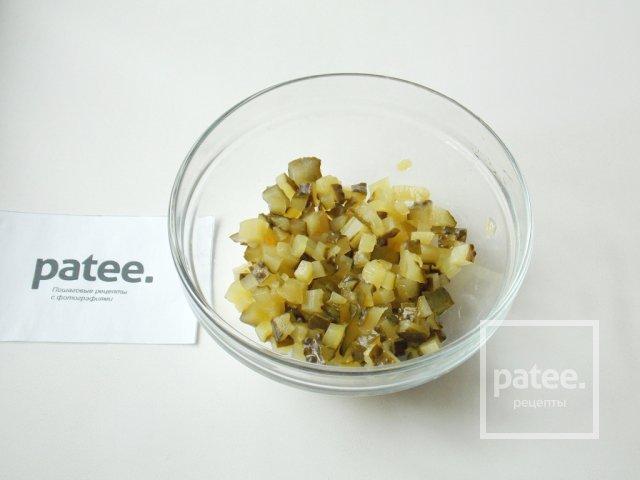 Салат с отварной форелью