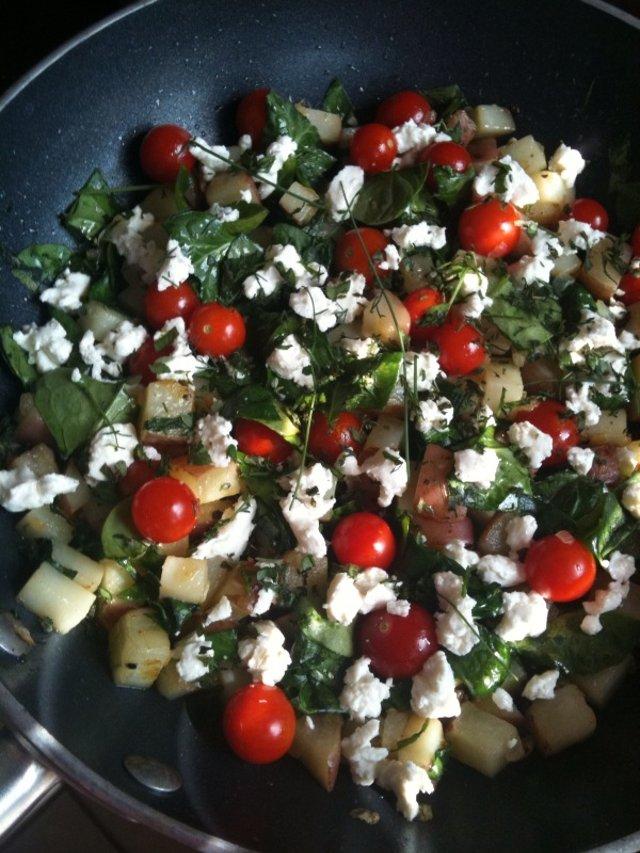 Фриттата с картофелем и овощами
