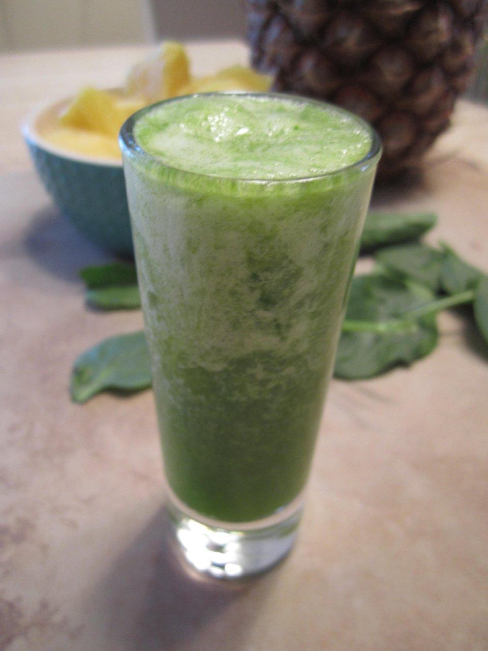 Смузи из зеленого чая с шпинатом
