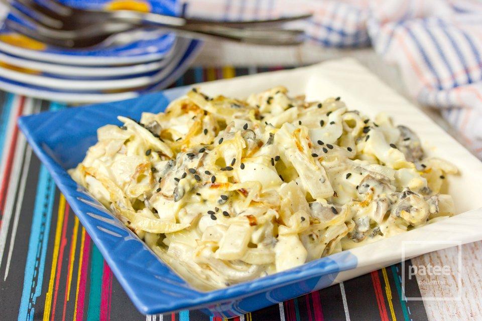 Салат с кальмарами и шампиньонами
