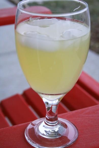 Рецепт Мятно-базиликовый лимонад