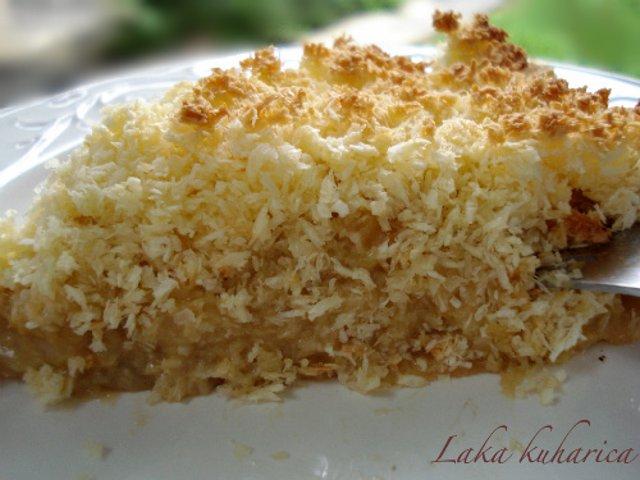 Ананасовый пирог с кокосовым топпингом