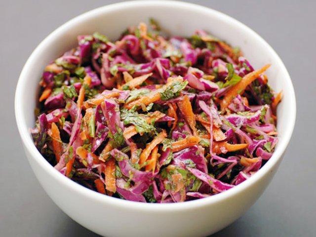 салаты из фиолетовой капусты рецепты
