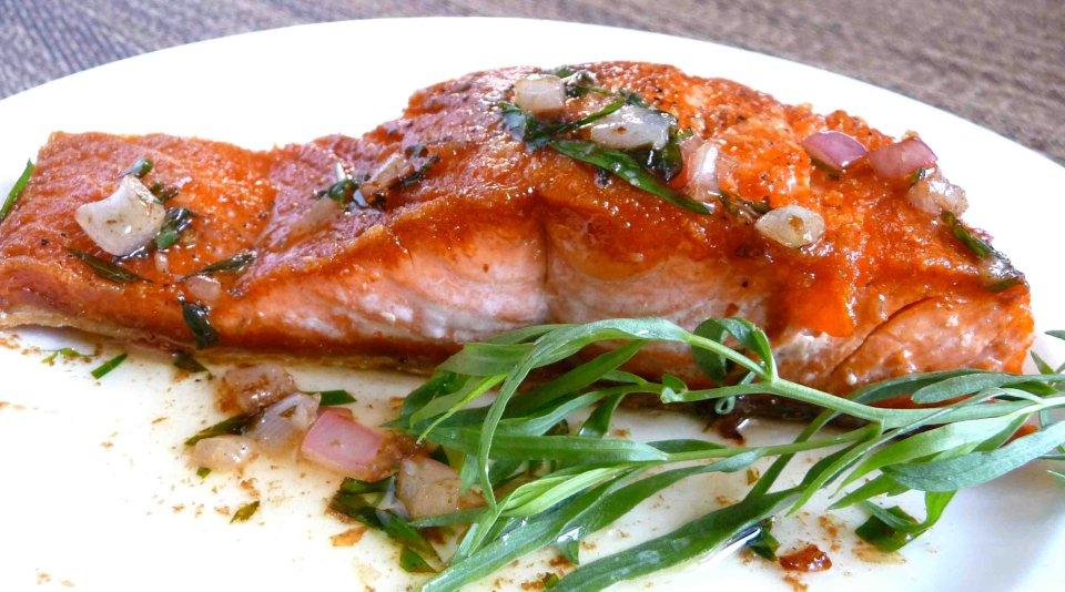 Жареный лосось с эстрагоном