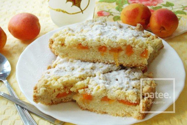 Рассыпчатый пирог с абрикосами