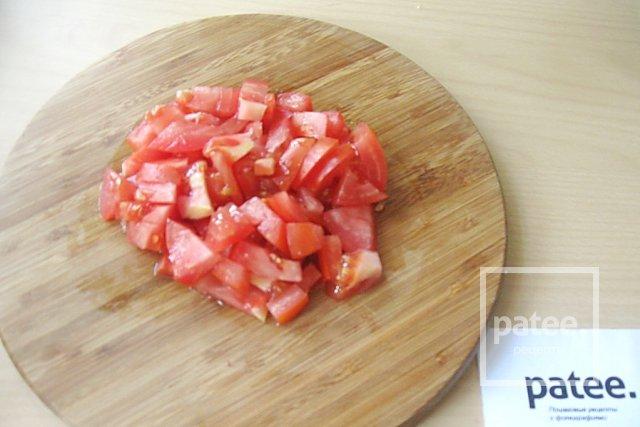 Салат с моцареллой, крабовыми палочками и овощами - Шаг 5