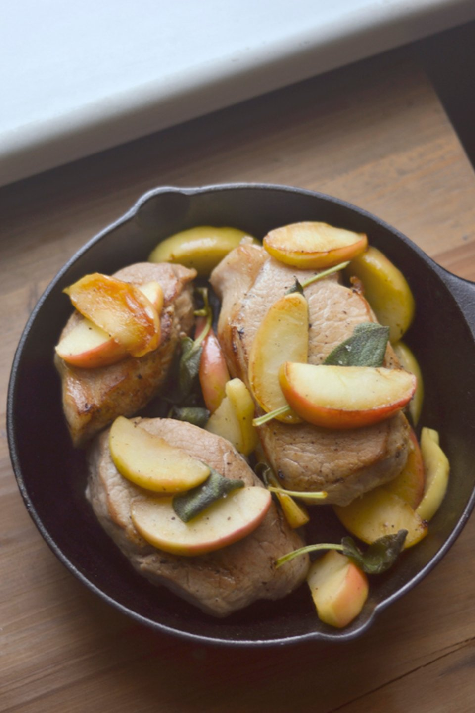 Свиные отбивные с яблоками, пошаговый рецепт с фото