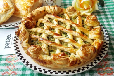 Рецепт Пирог с капустой, яйцами и шпинатом
