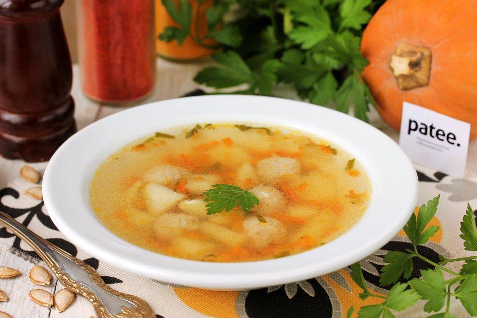 Суп с тыквой и куриными фрикадельками