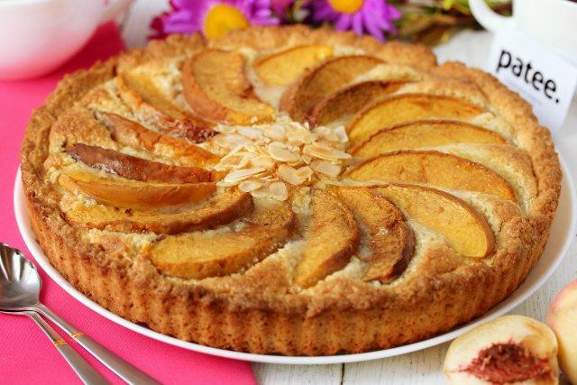 миндальный пирог с джемом