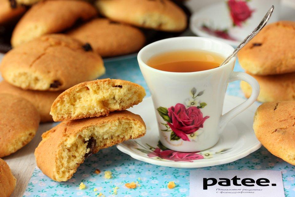 Кукурузное печенье с изюмом