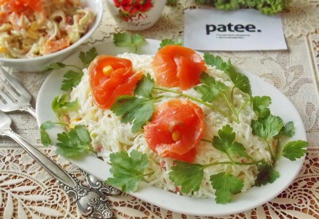 салат из копченой форели, помидорами рецепты