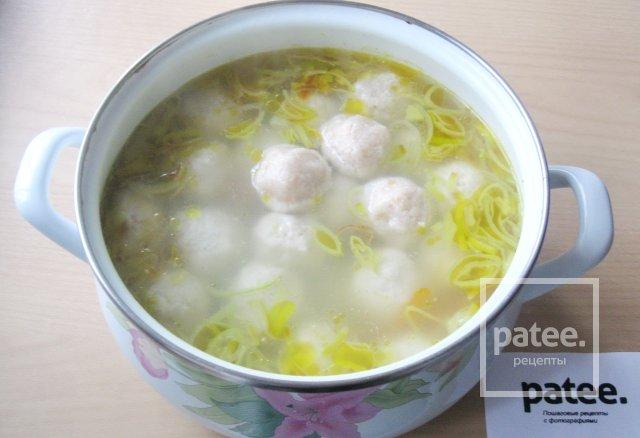 Суп со щавелем и фрикадельками