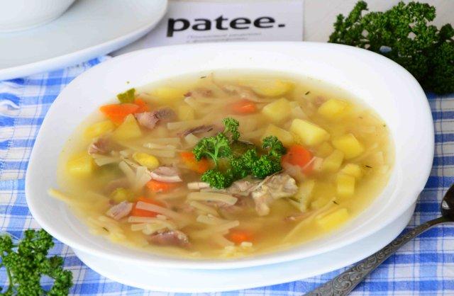Куриный суп с брюссельской капустой тимьяном и розмарином