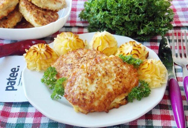 Воздушные куриные котлеты (с овсянкой и сыром)