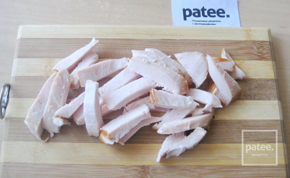 Суп-крем с грибами и копченой курицей