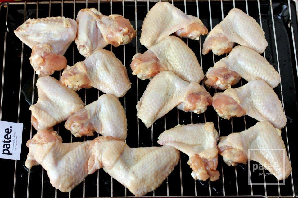 Куриные крылышки в чайном маринаде с травами