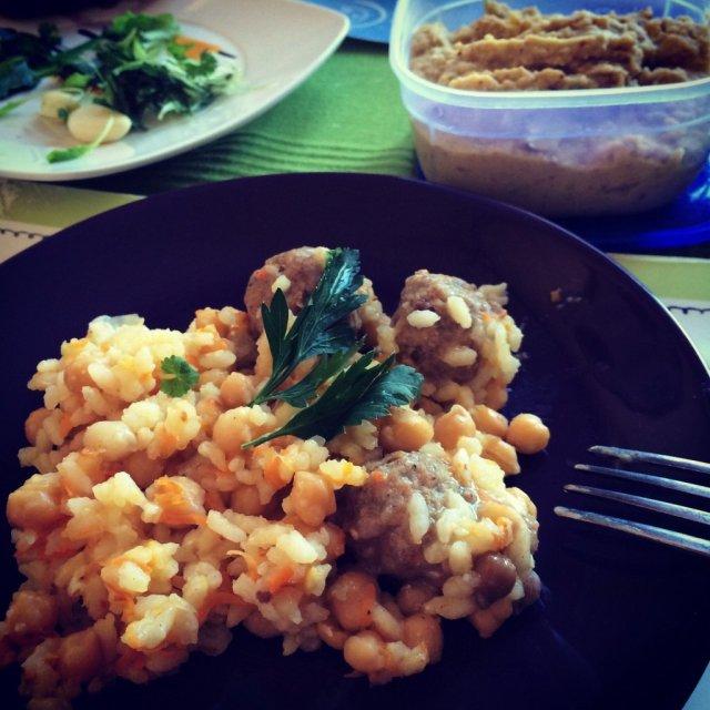 Рис с овощами и нутом