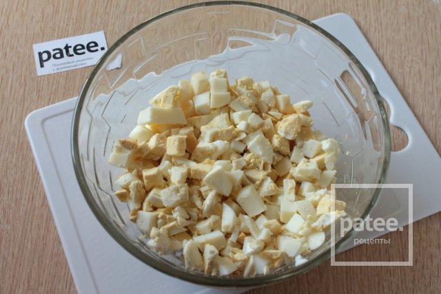 Жареные пирожки с луком и яйцом - Шаг 5