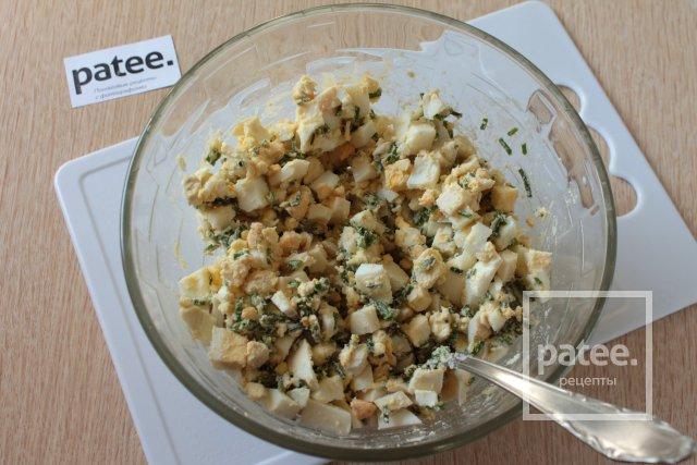 Жареные пирожки с луком и яйцом - Шаг 7
