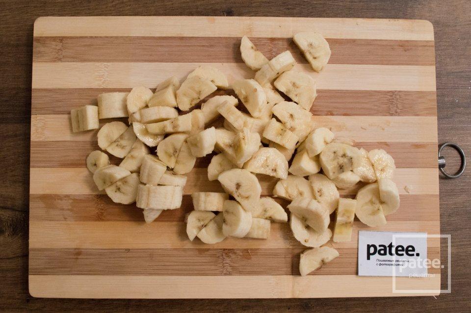 Яблочно-банановый крамбл