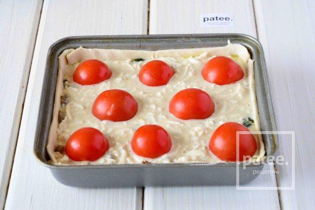 Грибной пирог с помидорами