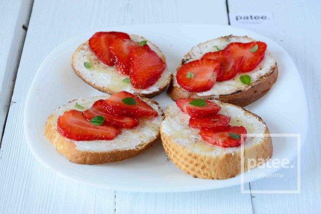Французские тосты с клубникой