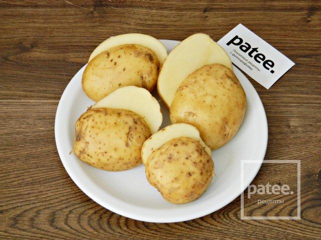 Запеченный картофель с красной икрой