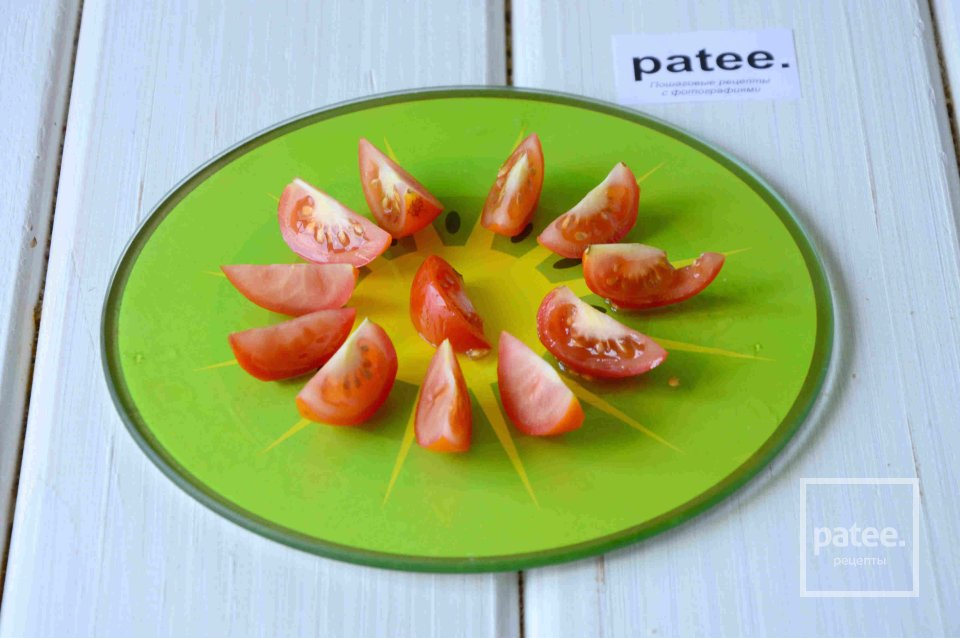 Тосты с креветками и помидорами черри