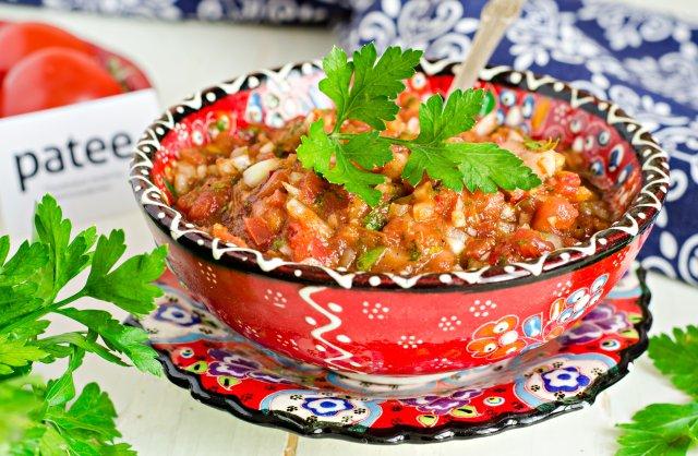 рецепт приготовления острой закуски из помидоров